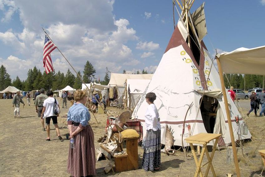 Smoking Waters Mountain Man Rendezvous - West Yellowstone Mountain Man Association - West Yellowstone Old Airport