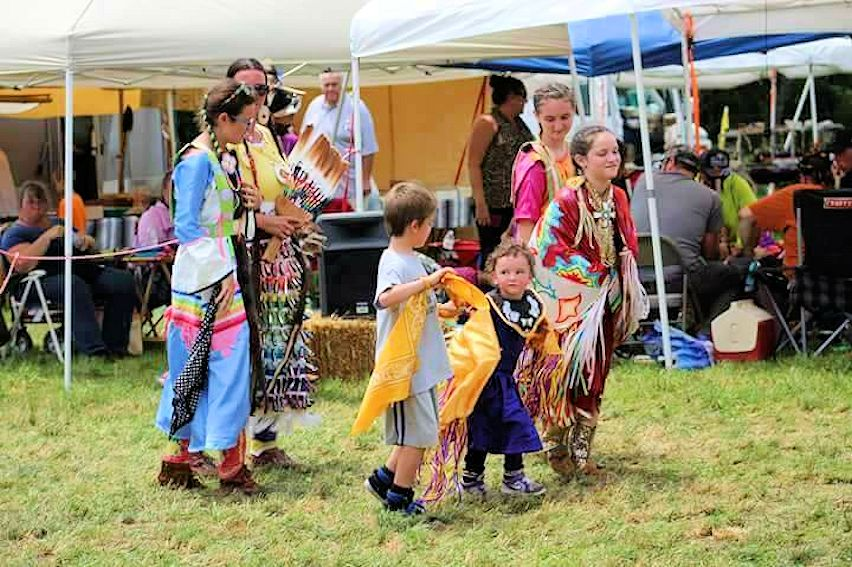 Baby Bison Days Charity Pow Wow - Boss Bison Ranch